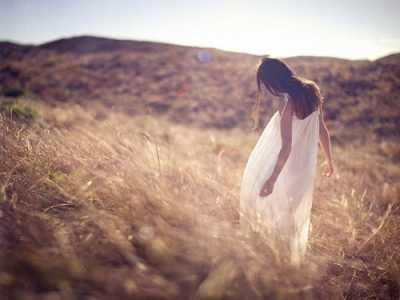 流淚的圖片 愛哭又傷感的女生