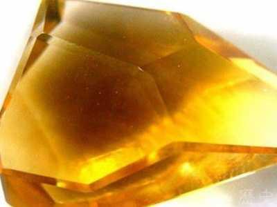 黃水晶的功效 黃水晶的風水含義和作用介紹